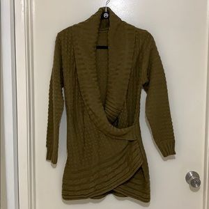 Sweater olive green, warm and cozy!